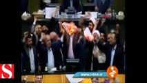 İran milletvekilleri Meclis�te ABD bayrağı yaktı