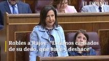 """Robles a Rajoy: """"Estamos cansados de su dedo, que hace y deshace"""""""