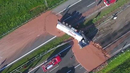 Vorsicht, klebrig: Flüssige Schokolade läuft über Autobahn