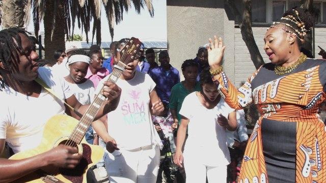 Yvonne Chaka Chaka - Kulila