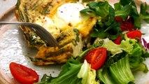 Unsere Spargel-Frittata mit Ricotta schmeckt kalt oder warm und kann als Vorspeise oder Hauptgericht serviert werden. Unbedingt testen! ZUM REZEPT