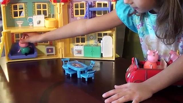 Peppa Pig at Old McDonalds Farm: Peppa Pig and Little Farm Toy Set: Farm Animals, Peppa Pig Family