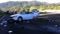 Une voiture coupée en deux dans une collision terrible à Cloverdale