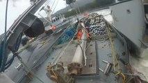 Un marin se fait écraser par le mât de son bateau alors qu'il vient d'etre percuté par un autre bateau de peche