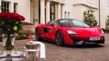 La McLaren 570S Spider è pronta in rosso per una vera storia d'amore a San Valentino