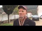 Report TV - Persona të armatosur dhe me maska grabitën një 70 vjeçar