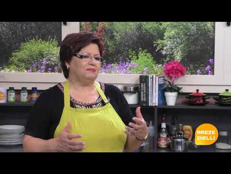 Te gatuajme me Zonjen Vjollca PJ2 Buke me djath dhe domate, Supe me fileto pule dhe fidhe