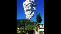 Des images de l'éruption spectaculaire du Mont MERAPI en Indonésie