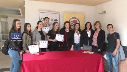 """Biblioteka Ndërkomunale e Prizrenit realizoi projektin """"Njohja e artizanatëve"""""""