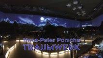 Traumwerk Porsche Modelleisenbahn bei Nacht mit Laser Show - Ein Video von Pennula zum Thema Modelleisenbahnanlage und Modellbahnausstellung