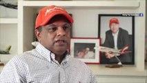 Tony Fernandes apologised for BN themed flight