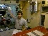 El Universo, Enciclopedia de la Astronomía y el Espacio - 17   Vivir en el Espacio.