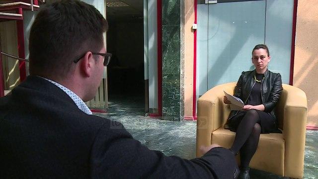 """""""Doktor"""" me plagjiaturë, pedagogut i hiqet grada shkencore - Top Channel Albania - News - Lajme"""