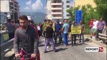 Report TV - Qytetarët e Orikumit në protestë: Turizmi do drita, ujë e rrugë