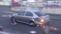 Des jeunes volent des voitures pour jouer aux auto-tamponneuses dans leur quartier !