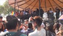 Ciudad de México se inunda de besos contra fobia hacia colectivo LGBT