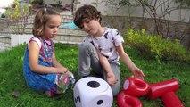 JOYEUX ANNIVERSAIRE LE COCHON QUI RIT - Jeu de société gonflable géant XXL - Démo Jouets