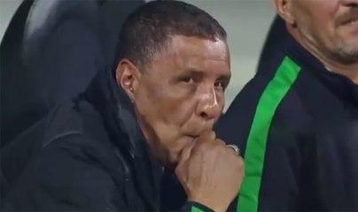 Amrani fume une clope en plein match (CSC-PAC)