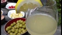 Pour une boisson simple, fraiche et faite maison cet été: faites-vous du pétillant de sureau
