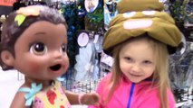 BABY ALIVE goes on a HALLOWEEN CITY tour! The Lilly and Mommy Show! Halloween store. Toy Play