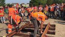 Les cheminots construisent une nouvelle gare