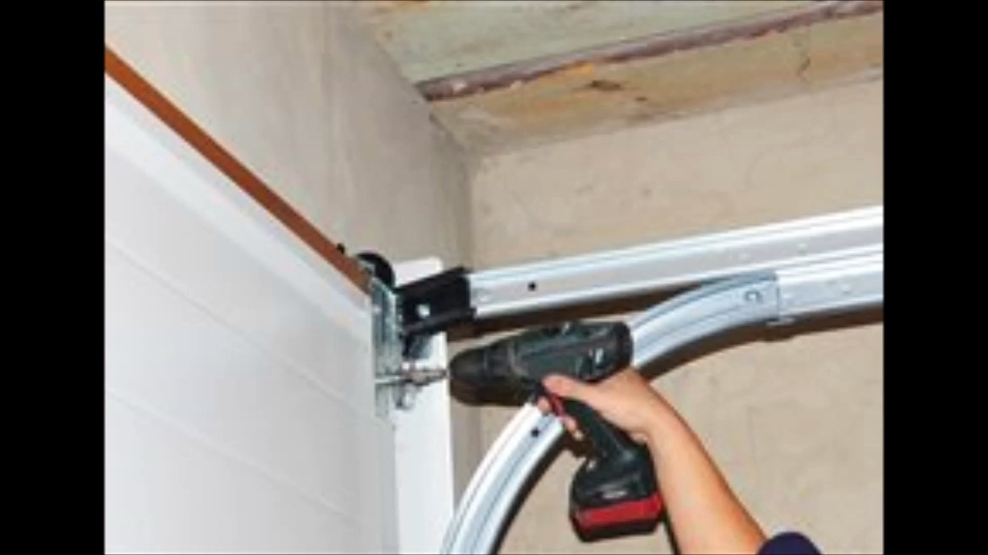 Advanced Garage Door Works St. George-(435) 216-0912