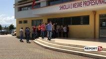 Report Tv - Shkodër, nxënësit e 'Ndre Mjedës' bojkotojnë mësimin: S'kemi marrë bursat