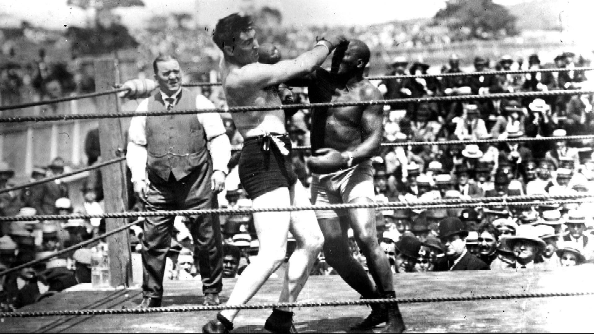 Jack Johnson: Trump posthumously pardons black boxing champion