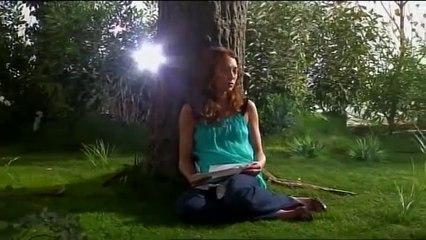 Laura Smet - Laura  ( avec la voix de Johnny Hallyday )
