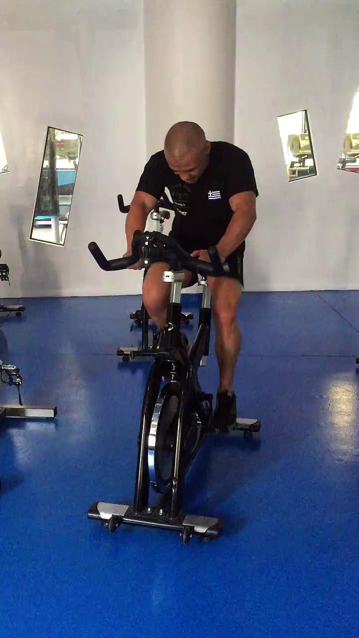 Ξεκινάμε την ημέρα μας με γυμναστική και ευεξία, φυσικά στα Planet Fitness and More! #ironmikezambidis #greekwarrior #fitness #gym #exercise #planetfitnessandmo