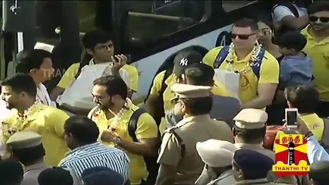 CSK Team arrives in Chennai, receives warm welcome | IPL 2018 | MS Dhoni | IPL 2018 Champions