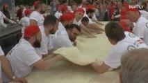 Neapolitan chefs set record for longest deep-fried pizza