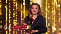 """""""Je le savais, c'est moi"""" : l'humoriste Blanche Gardin se remet elle-même un prix lors des Molières 2018"""