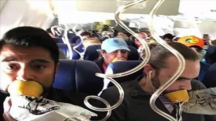 وفاة من تحطم نافذة طائرة