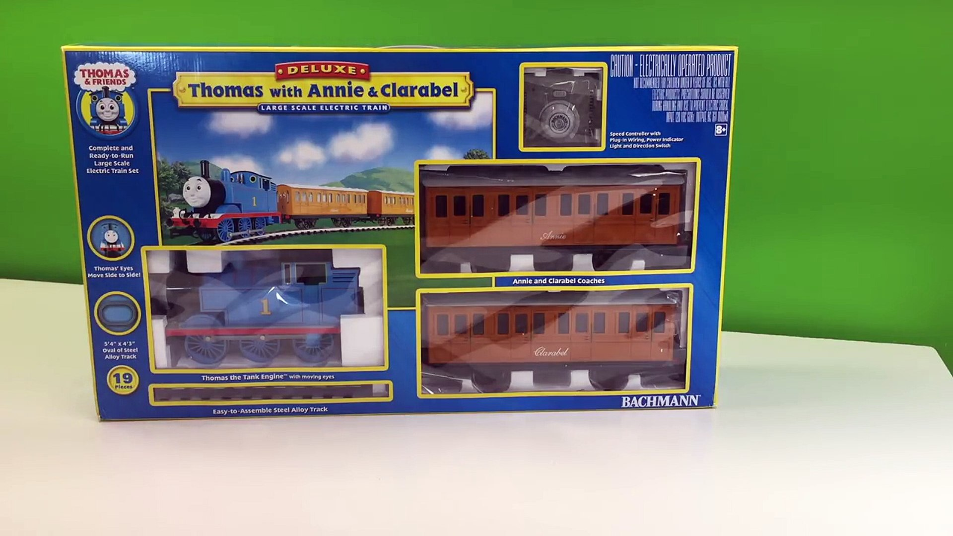 THOMAS THE TANK ENGINE, ANNIE & CLARABEL G Scale BACHMANN Train Set