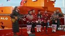 Lørdag den 22. oktober 2016 blev Royal Arctic Lines nye bygdeskib, Ivalo Arctica, døbt i Aasiaat, med forstander på børnehjemmet i Uummannaq Ann Andreassen som