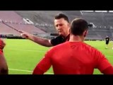 Manchester United - Louis van Gaal Shouts At Wayne Rooney, Tells Him How To Shoot!