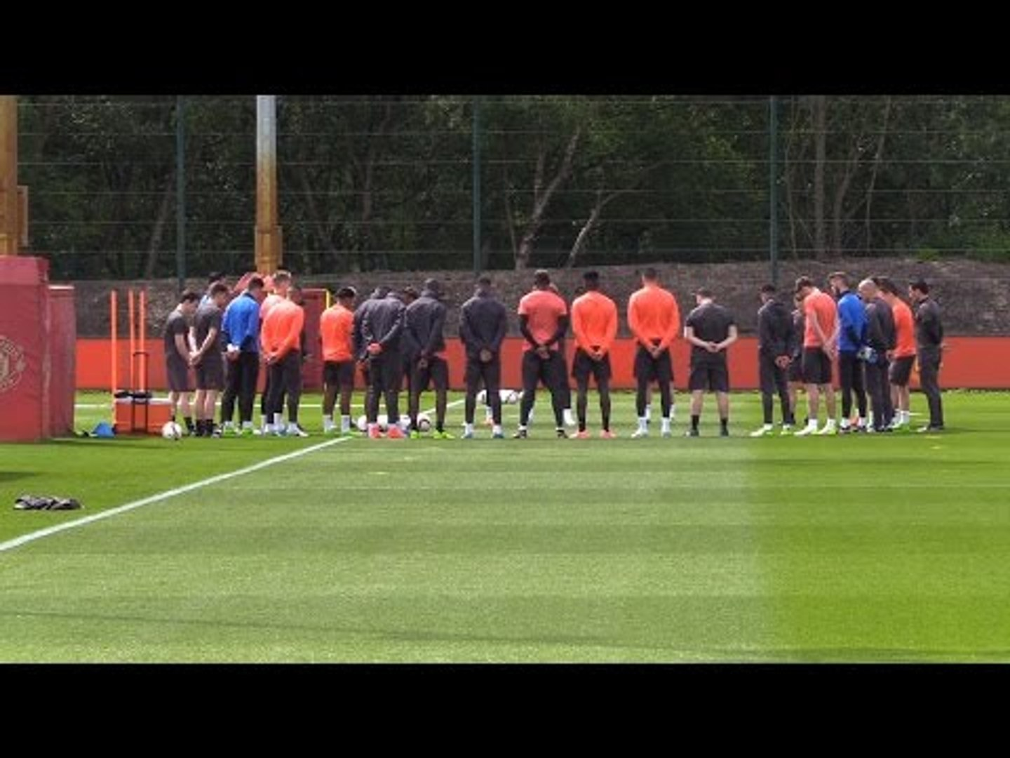 Manchester United Players Hold A Minute's Silence To Mark Manchester Attack