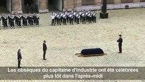 Obsèques de Serge Dassault: honneurs militaires aux Invalides