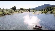 Ce pilote se fait éjecter de son bateau de course à pleine vitesse