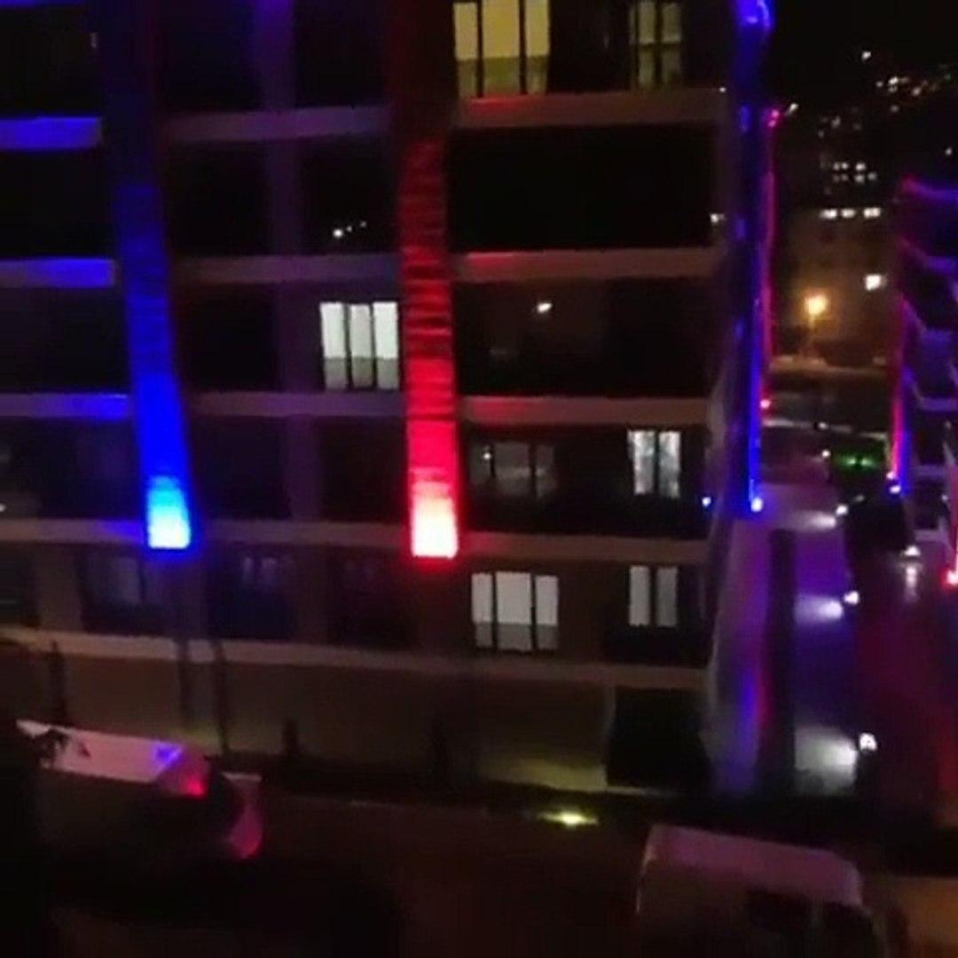 Trabzon'da Sahurda Yıldız Tilbe Şarkıları Söyleyen Yanık Sesli Ramazan Davulcusu/Sahrda Stars i