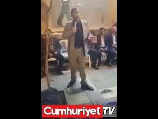 AKP'li Başkan tehdit etti: Oy vermezlerse işsiz bırakmak boynumun borcu