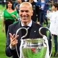 Mundur Sebagai Pelatih Real Madrid, Zidane: Tim ini butuh Pergantian untuk Melanjutkan Kemenangan.Pelatih Zinedine Zidane mengejutkan para pecinta sepak bola
