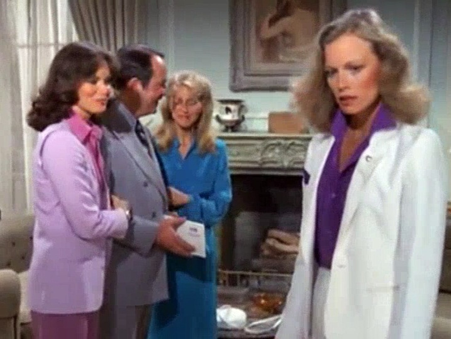 Charlie's Angels S04E01 - Love Boat Angels (1)
