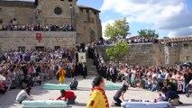 Espagne: traditionnel festival de sauts au-dessus de bébé