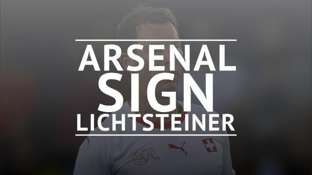 Arsenal sign Stephan Lichtsteiner on free transfer