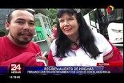 Hinchas peruanos asisten al entrenamiento de la 'Blanquirroja' en Austria