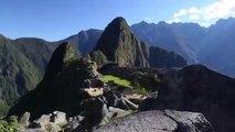 Découvrez le Machu Picchu, une citadelle enchantée dans les montagnes des Andes