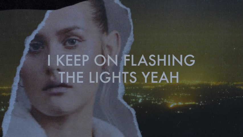 Lilly Ahlberg - Flashing The Lights