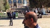 #مباشر / إقتحام عشرات المستوطنين للمسجد الأقصى تزامنا مع بدء العشر الأواخر من رمضان .مع الزميل المقدسي محمد الفاتح .